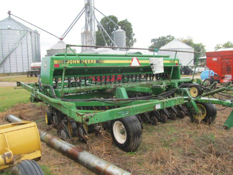 1992 John Deere 750 Drills and Caddies for Sale | Fastline