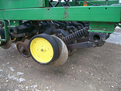 John Deere 750 Drill - Riceville, IA | Machinery Pete