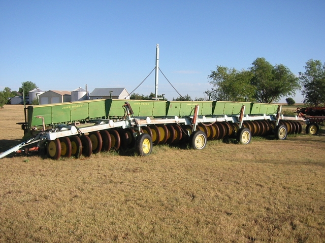 5 LZ 812 John Deere hoe drills - Nex-Tech Classifieds