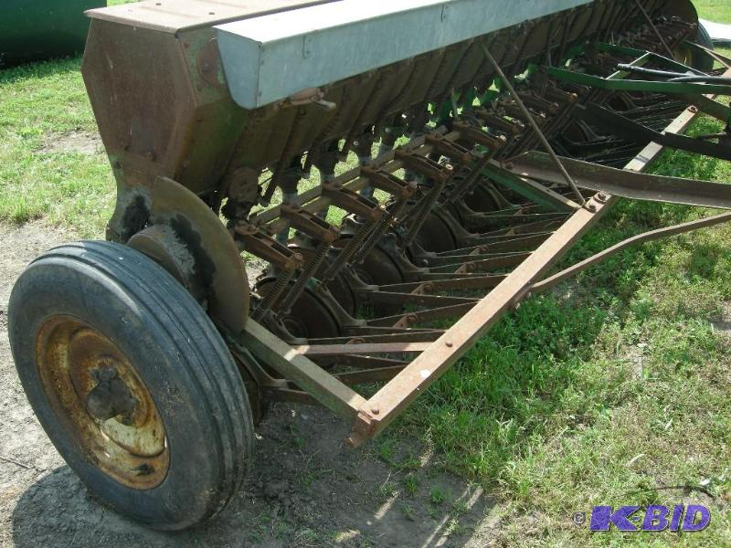 John Deere Model B Van Brunt 16' ft grain drill | Vehicles ...