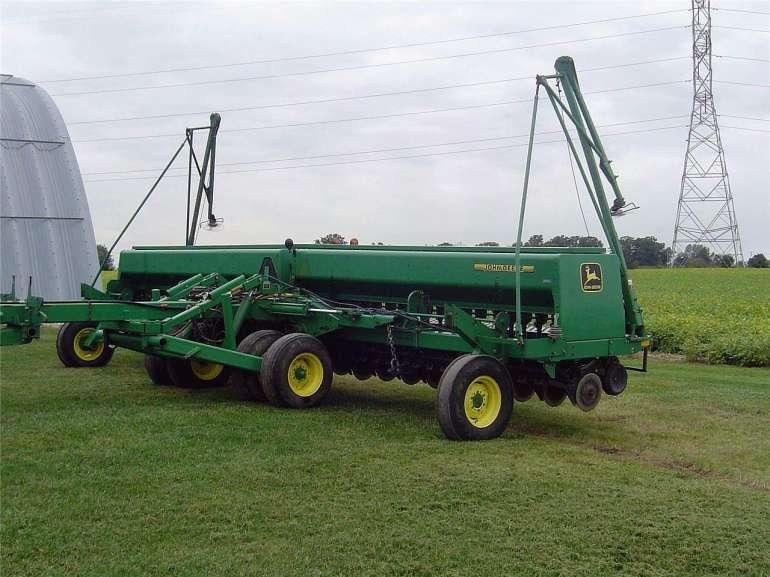 1997 John Deere 455 Grain Drill for sale in Valparaiso ...