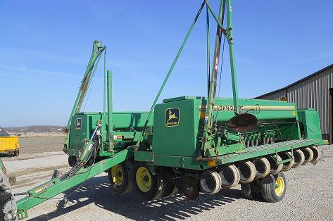 Farm Equipment For Sale: John Deere 455 Grain Drill