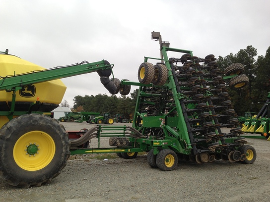 2012 John Deere 1890 - Air Drills and Seeders | Used ...