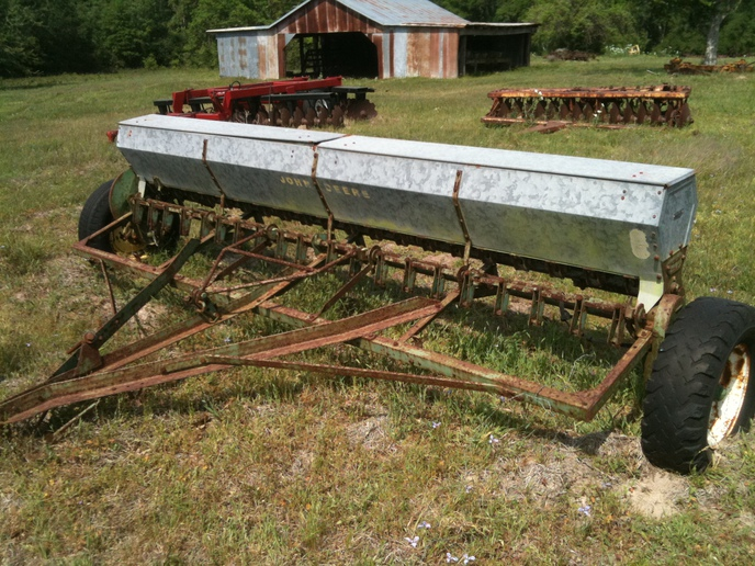 John Deere 207B grain drill - Yesterday's Tractors