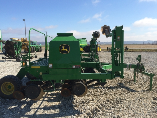 Photos of 2004 John Deere 1590 Grain Drill For Sale ...