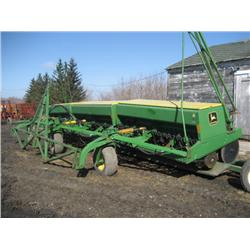JD drills, John Deere Model 9350 drilss 30 ft with markers ...