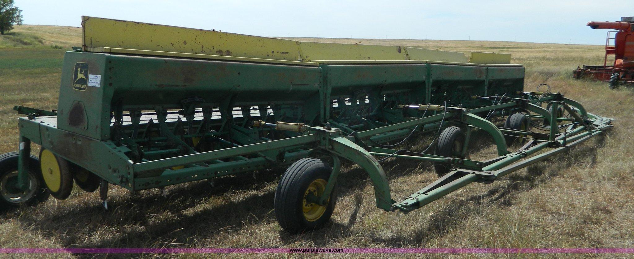 (4) John Deere 9300 hoe drills   Item K8176   SOLD ...