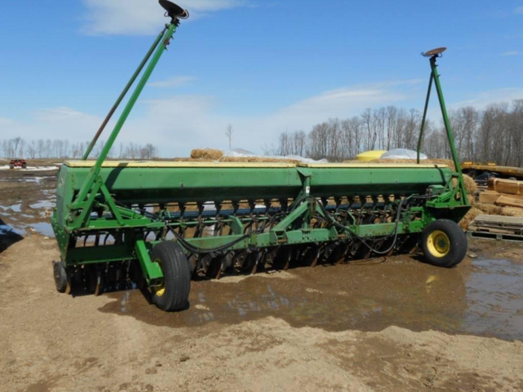 John Deere 520 Grain Drill