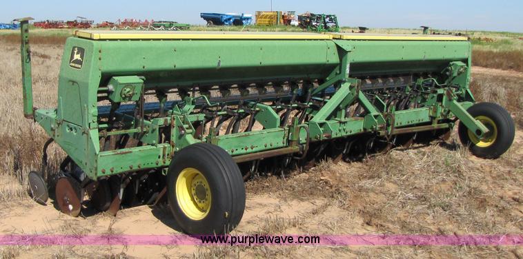 John Deere 520 grain drill | Item 3423 | SOLD! September 8 ...