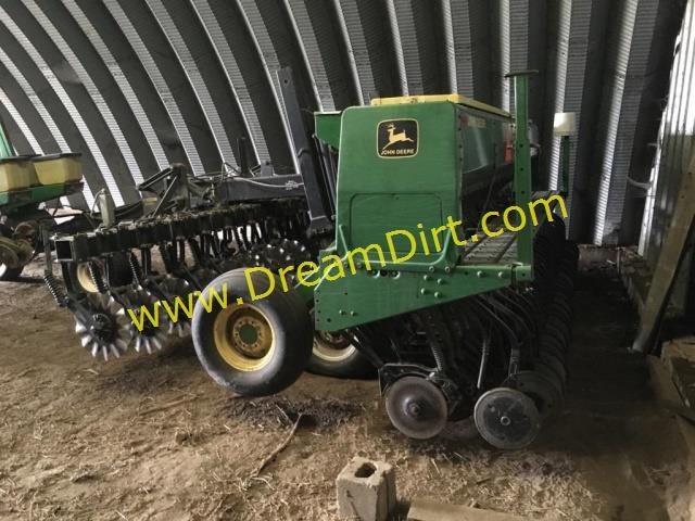 John Deere 515 No Till Drill