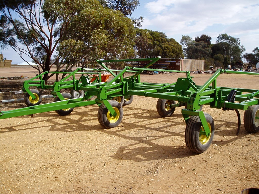 JOHN DEERE 610 for sale | Trade Farm Machinery, Australia