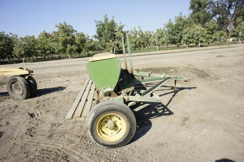 12 Ft .john Deere Grain Drill