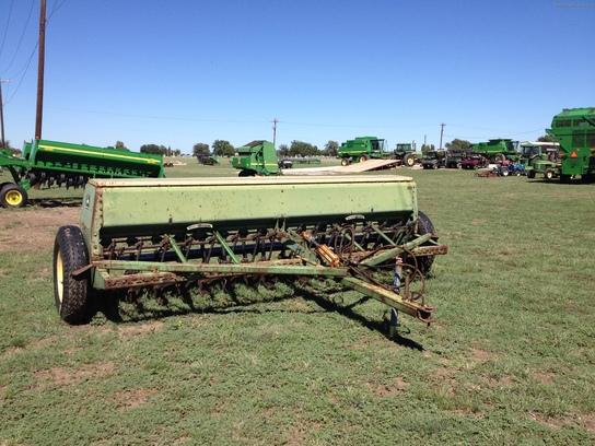 1975 John Deere 8200 Planting & Seeding - Box Drills ...