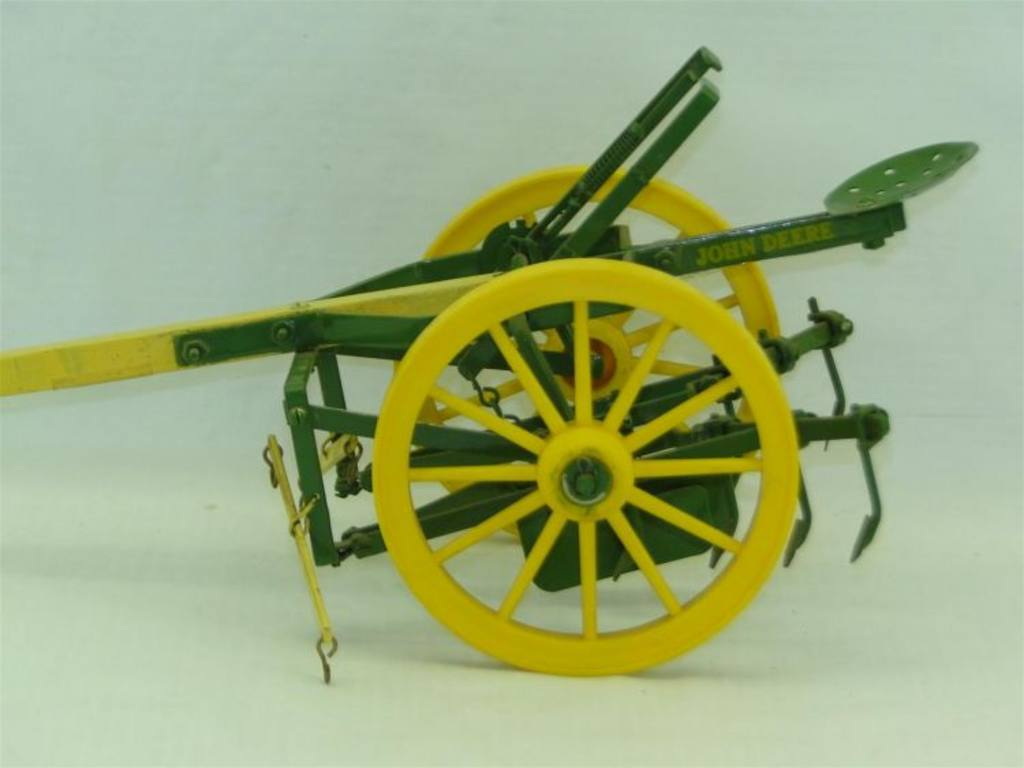 Antique John Deere Horse Drawn Cultivator | Motorcycle ...