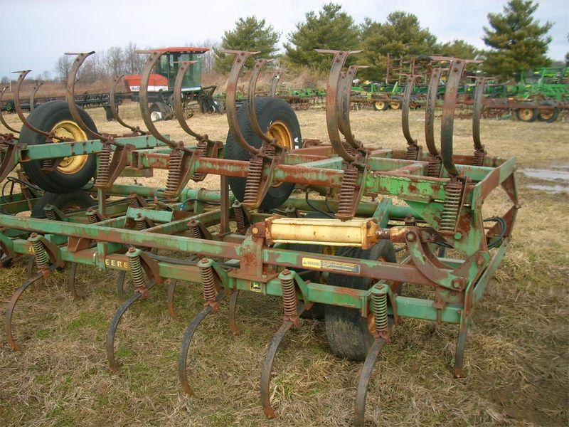 John Deere 1000 Cultivator #7216 MAYER AGRI-EQUIPMENT ...