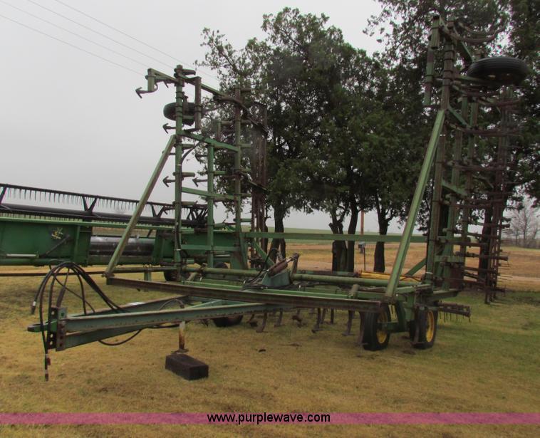 John Deere 1000 36' field cultivator | no-reserve auction ...