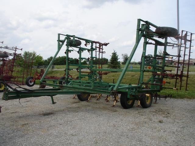 John Deere 1000 Field Cultivator For Sale » Streacker ...