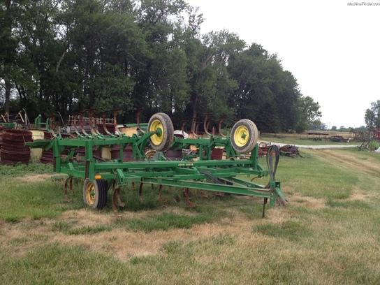 John Deere 1010 Field Cultivator Tillage - John Deere ...