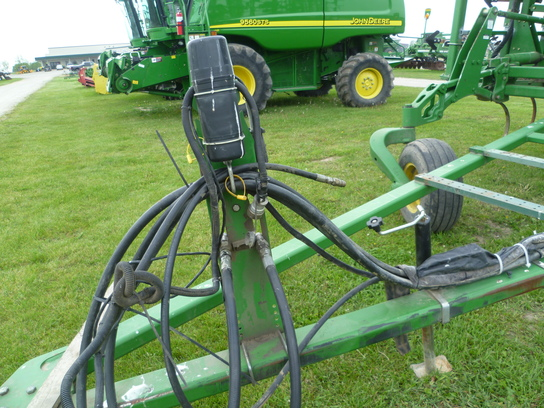 Wisconsin Ag Connection - 2002 JOHN DEERE 2200 Field ...