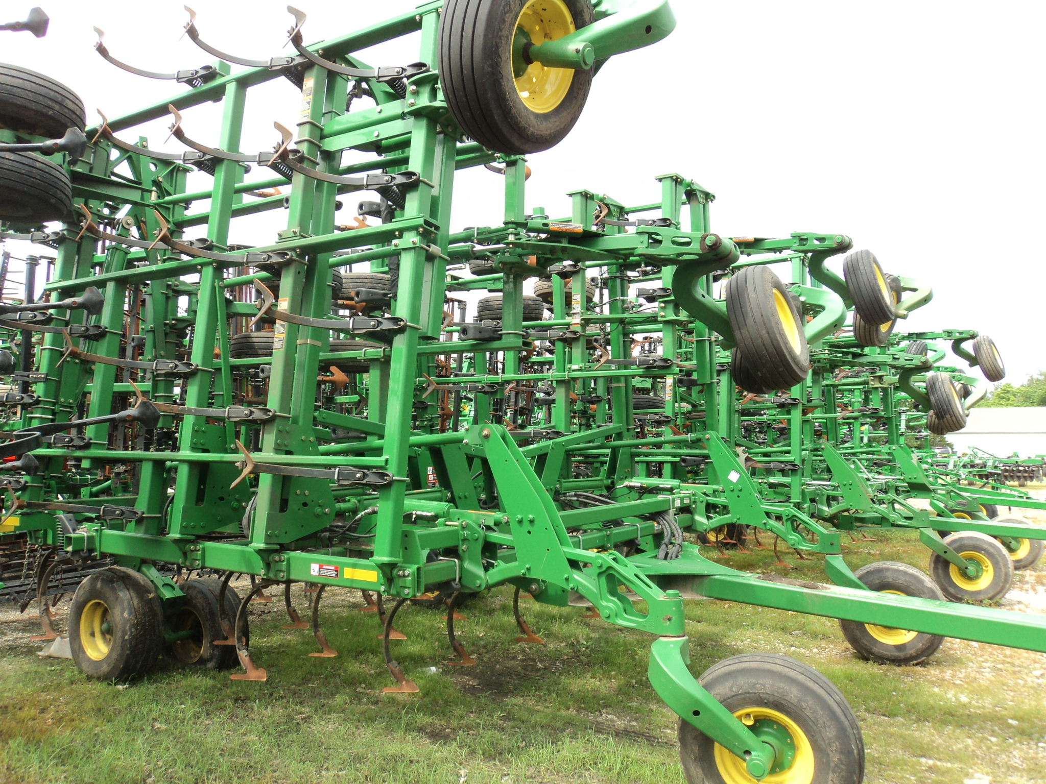 John Deere 2210 Field Cultivators for Sale | [9579]