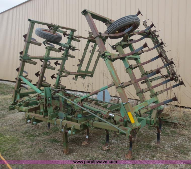 John Deere 960 field cultivator | no-reserve auction on ...