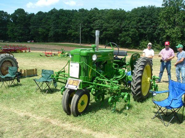 Coppermine Photo Gallery - Denton 2009/40T w/Cultivators