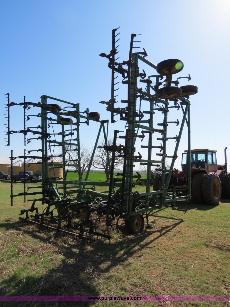 John Deere 1050 40' field cultivator | no-reserve auction ...
