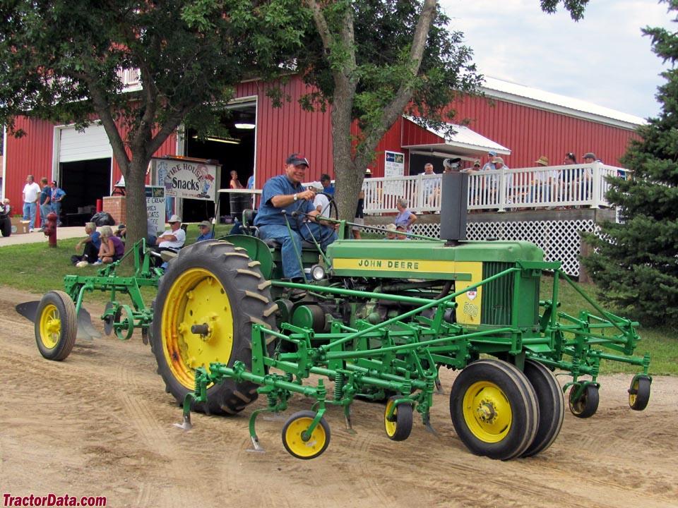 TractorData.com John Deere 520 tractor photos information