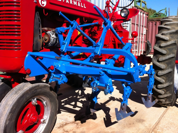3pt cultivator vs mounted cultivator - Yesterday's Tractors