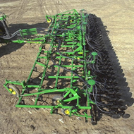 John Deere 980 Field Cultivator tool for moderate residue ...