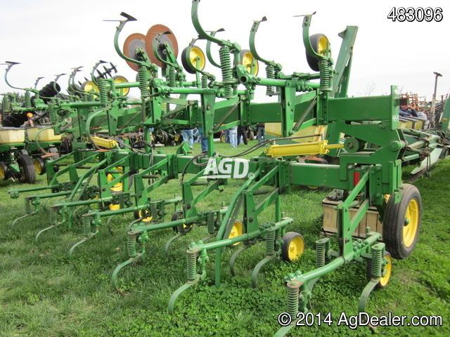 John Deere 845 - Row crop cultivators - ID: D8CCBC11 ...