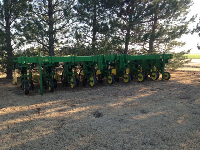 For Sale John Deere 885 Cultivator - Nex-Tech Classifieds