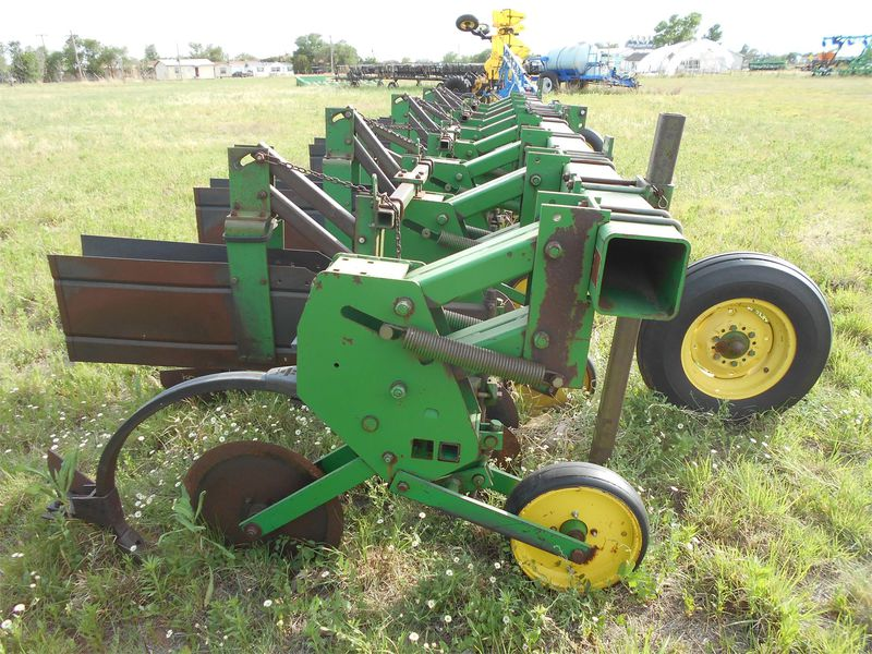 John Deere 885 Cultivator #1066 K&W EQUIPMENT HALE CENTER ...