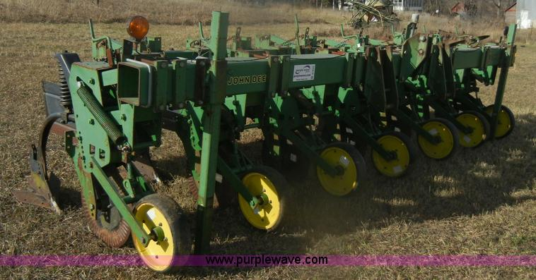 John Deere 886 no-till cultivator | no-reserve auction on ...