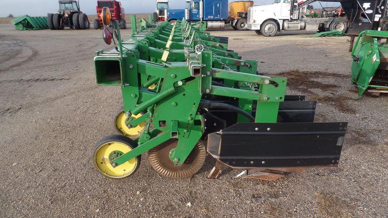 2000 John Deere 886 Row Crop Cultivator #4835 JONES ...