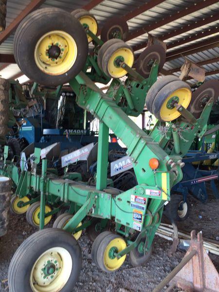John Deere 886 Row Crop Cultivator T & P Ag Sales, LLC ...