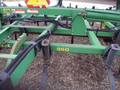 John Deere 960 Field Cultivator - Winger, MN | Machinery Pete