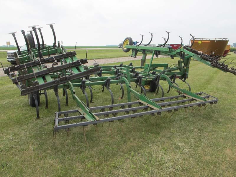 John Deere 960 Field Cultivator   Miscellaneous Farm ...