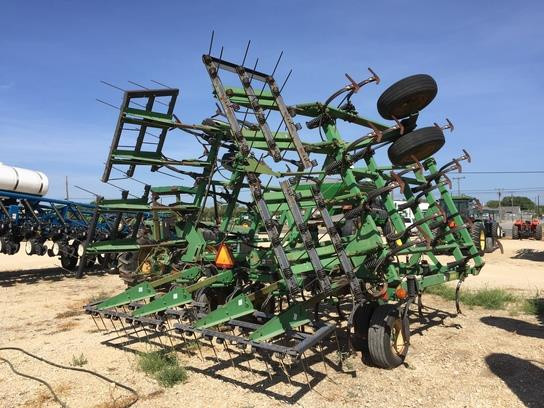 Photos of 1999 John Deere 980 Field Cultivator For Sale ...