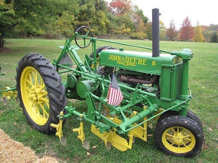 John Deere B w/cultivators.Unstyled Model B   John Deere ...