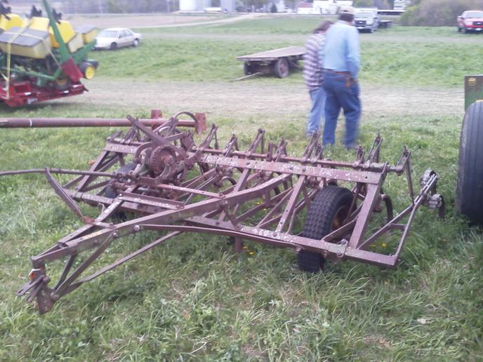 John Deere CC-? Cultivator Before... (2012-04-09 ...