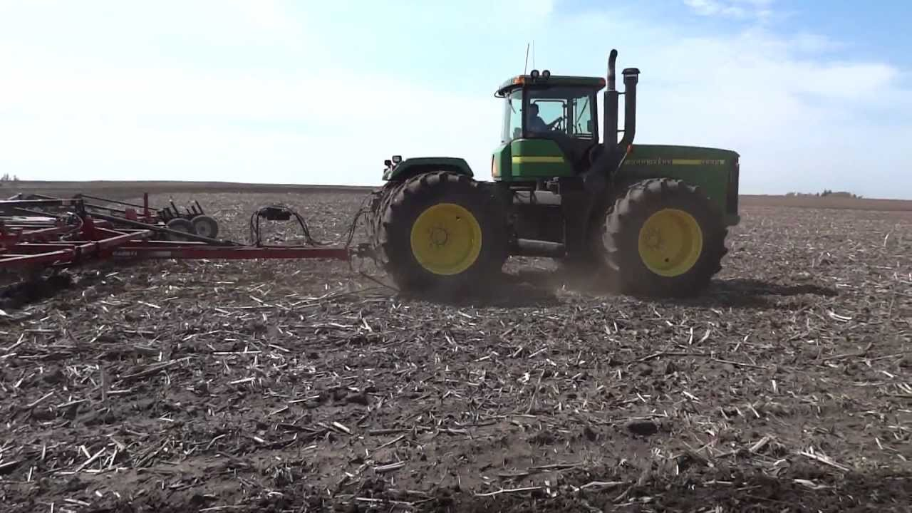 Spring Field Work - 50' Field Cultivator pulled by a John ...