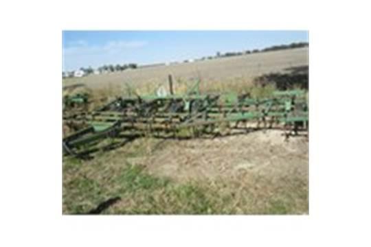 John Deere Danish Tine field cultivator 30ft w/Remlinger ...