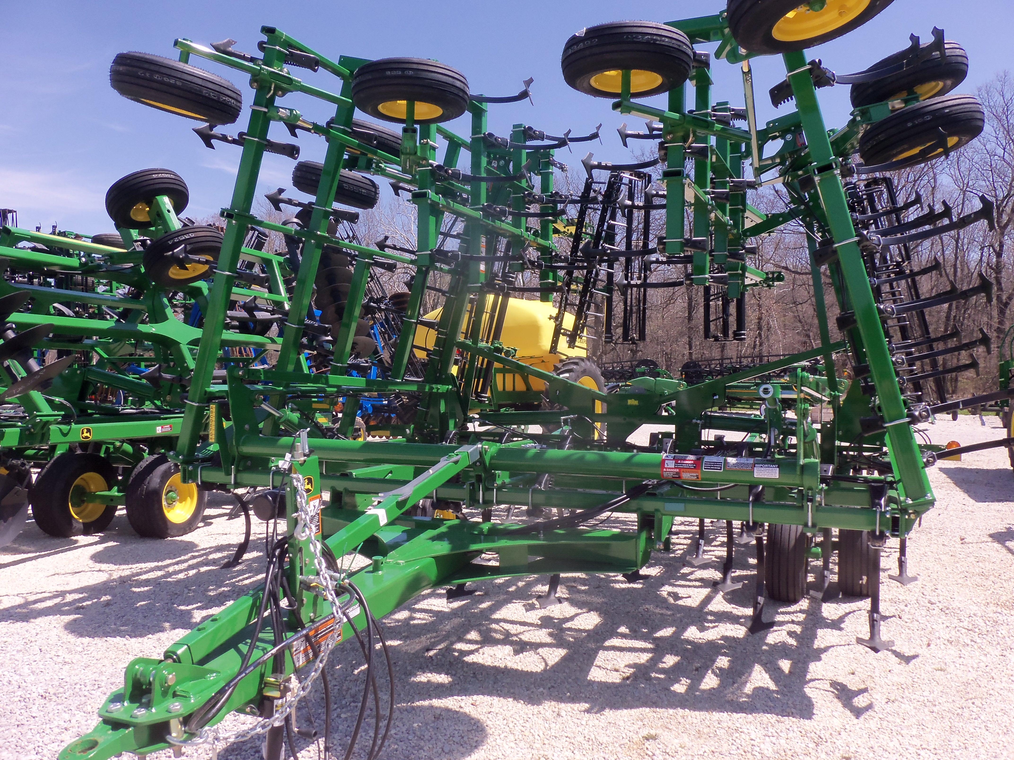 John Deere 2210 field cultivator | Mi Rancho 2 | Pinterest