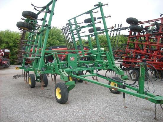 Photos of 2004 John Deere 2210 32.5 Field Cultivator For ...