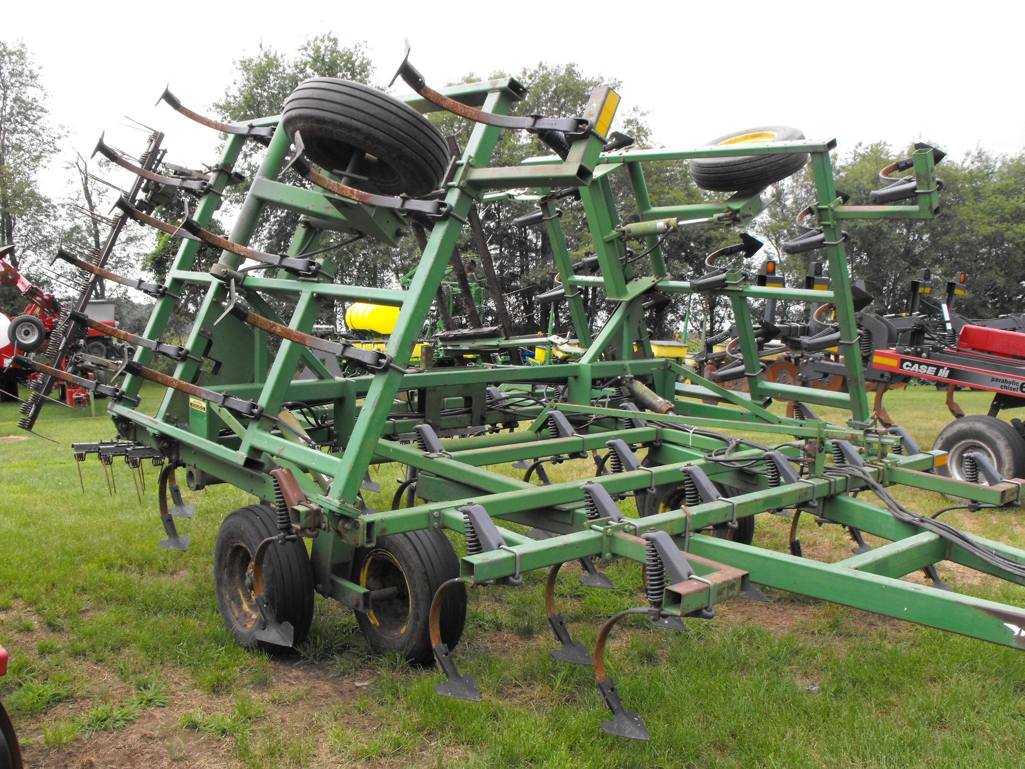 Wisconsin Ag Connection - JOHN DEERE 960 Field Cultivators ...