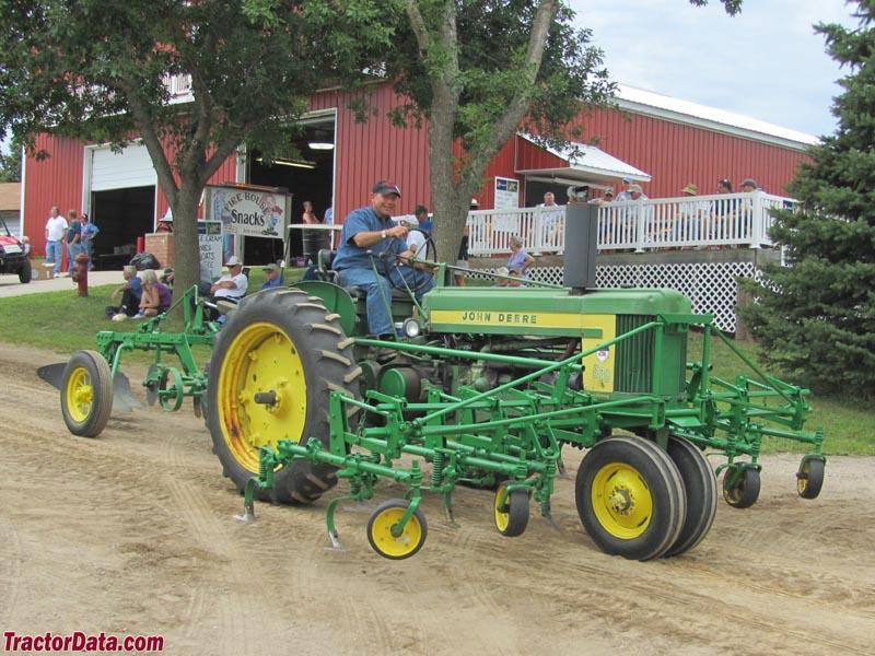 TractorData.com - 2011 Le Sueur Pioneer Power Show