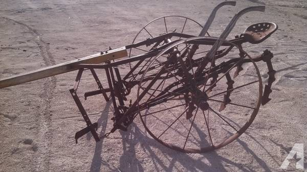 John Deere horse drawn cultivator - for Sale in Anamosa ...
