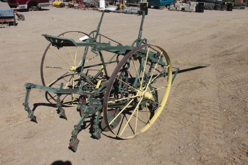 LOT #269j - JOHN DEERE 1-ROW HORSE DRAWN CULTIVATOR