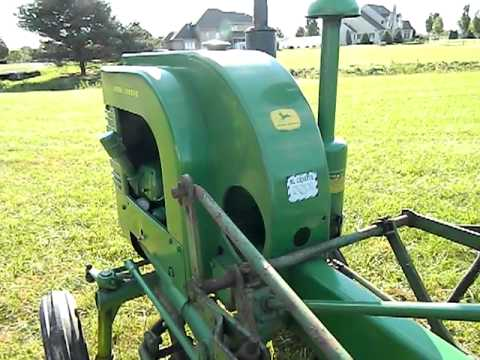 John Deere LA Tractor w/ Cultivators @ Auction 10/12/2011 ...
